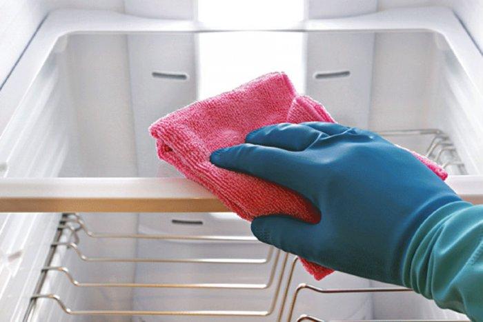 نصائح لتنظيف الثلاجة
